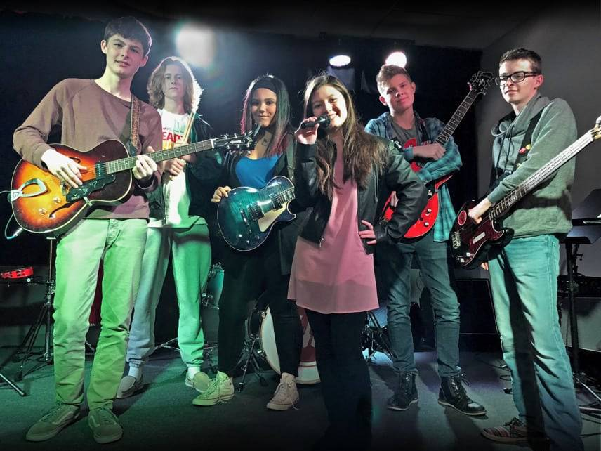 Featured Music House Band - Get the Axe