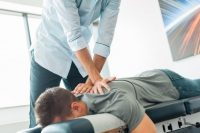 chiropractor care1